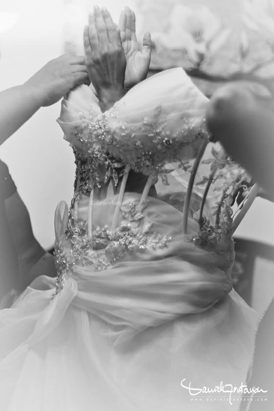 https://whitenoisephotography.files.wordpress.com/2013/09/wedding-dress-daniele-fontana.jpg