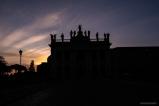 ROMA-SUNSET-STATUE